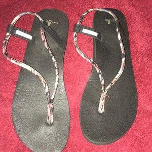 Sanuk ladies Sandals Size 11